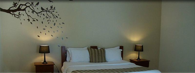 Estilo, conforto e exclusividade no Cedros Hotel de Serra! 02 diárias p/ casal na super suíte com almoço e fondue de R$780 por R$390. Válido também em JULHO, em até 12x*