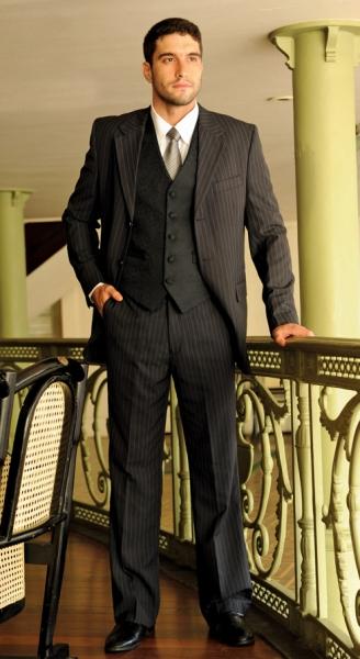 Em dias importantes seu traje precisa ser especial! Crédito de R$400 por R$199 em aluguel de ternos e roupas masculinas