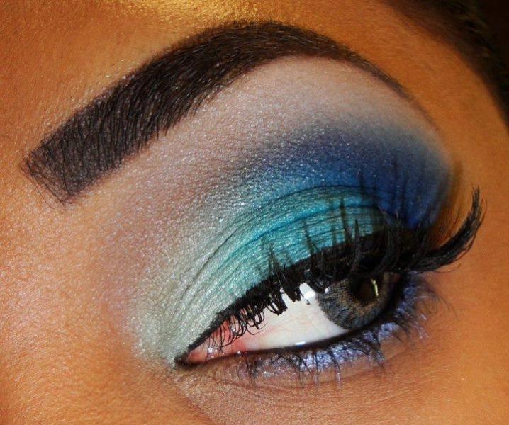Sobre os olhos estão as sobrancelhas, sobre elas, Maura Lima! Design de sobrancelhas de R$40 por R$20
