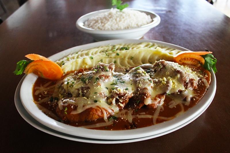 Muito sabor com os novos pratos da Peixada do Meio! Filé de Peixe ao Requeijão OU Filé de Peixe à Parmegiana OU Mix de Carnes à Indiana por R$39,90. Serve até 03 pessoas!