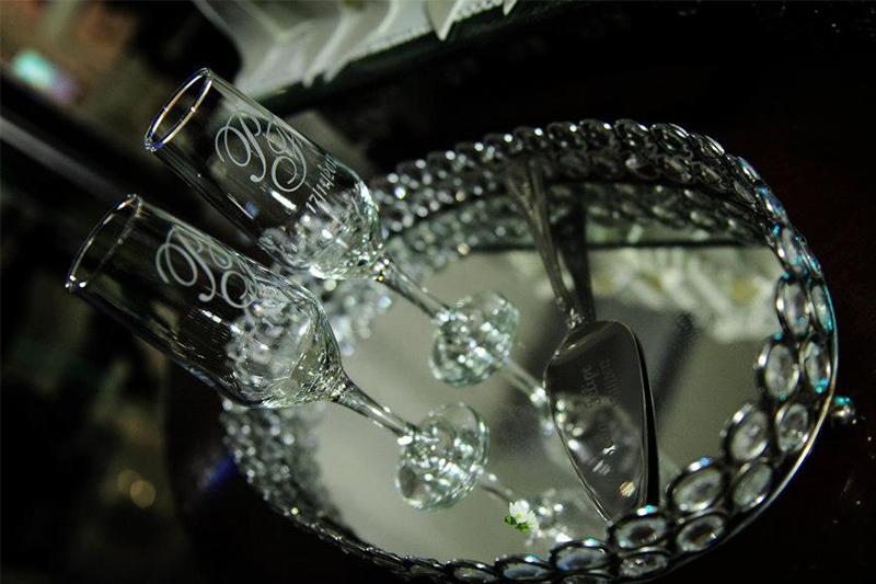 225f76c13 Esbanje sofisticação no brinde do seu casamento! 10 Taças de Vidro para Champagne  personalizadas por