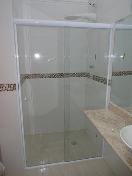 New Window  Box para Banheiro de vidro temperado incolor com modelo corrediç -> Banheiro Pequeno Com Box De Tijolo De Vidro