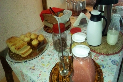 2 diárias de segunda a sexta para 2 pessoas com café da manhã + 2 Caipirinhas + 10% de desconto no Restaurante Gourmet Lisboa por R$299