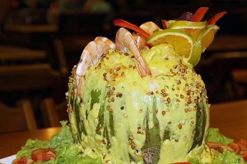 Combinação perfeita de diversão e boa gastronomia! Tilápia Completa ou Escondidinho para até 3 pessoas + 2 Passaportes para o novo AcquaChico por R$79