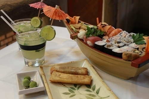Rodízio de Sushi + Buffet completo (carnes, aves, peixes, massas, guarnições, saladas e mais) para 1 pessoa de até R$60 por R$22,99