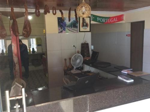 Noite portuguesa! Rodízio de Bacalhau com Entradas, Prato Principais e Sobremesas para 2 pessoas por R$59,90 no Restaurante Lagar