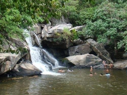 Férias no friozinho da serra! 2 diárias para 2 pessoas e 1 criança + café da manhã na Pousada Caminho das Cachoeiras - perto de Guaramiranga por R$179,90
