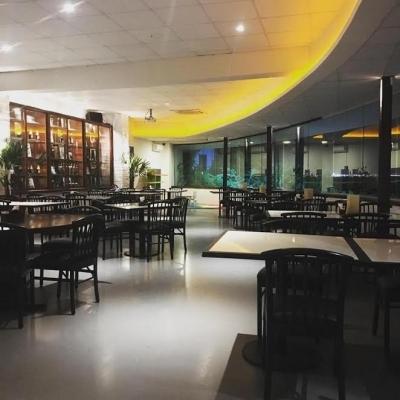 Alta gastronomia! Peixe à Valeska para 2 pessoas (400g de filé de pargo grelhado com molho de lagosta no vinho branco) + acompanhamentos no Faustino Fortaleza por R$59