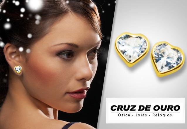 Perfeito para quem tem bom gosto e sofisticação! Brinco de Ouro 18k Coração  com Pedra 03396ad973