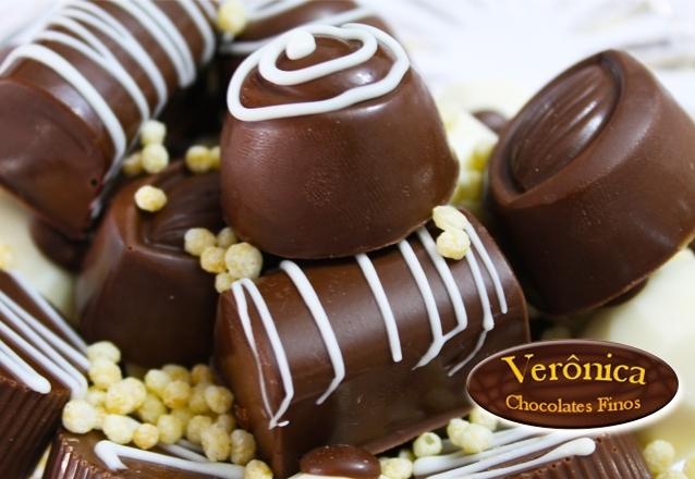 200 itens de chocolates com 100 Decorados + 50 Crocantes + 50 Trufados