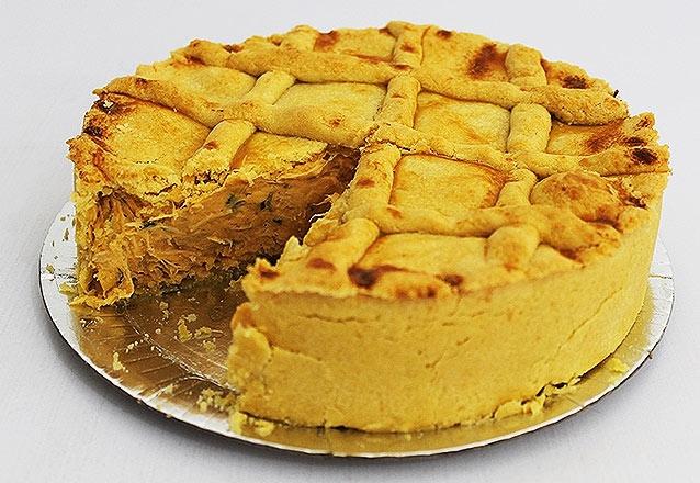 Torta de Frango ou Palmito com Catupiry ou Charlote