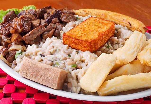 Carne do Sol Sertaneja com opções de acompanhamentos para 2 pessoas