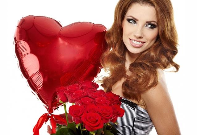 Buquê de 12 rosas + Folhagens + Embalagem + Gypsophila