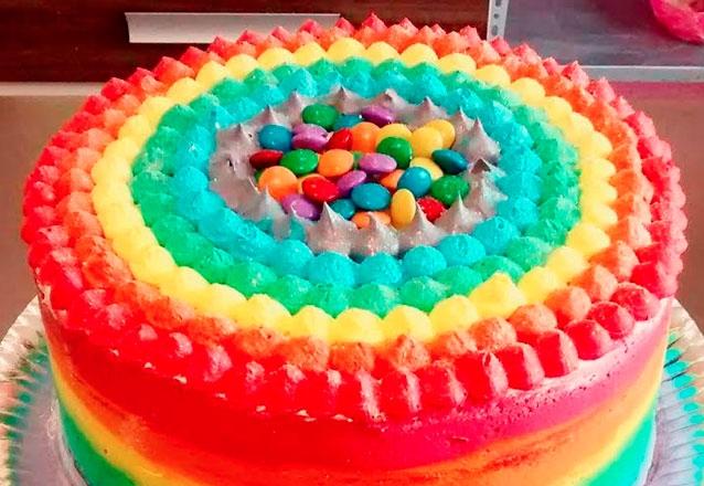 Rainbow Cake para 35 pessoas